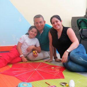 PADRES Y NIÑOS ELEVARON SUS COMETAS EN EL SAN BONIFACIO