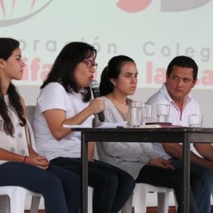 CON ÉXITO SE DESARROLLÓ PRIMER FORO POR LA PAZ EN EL COLEGIO SAN BONIFACIO