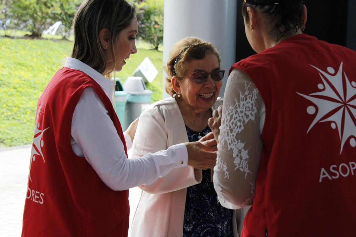 ASOPADRES celebró Día de la Madre  con mamás y abuelitas del 'Sanboni'