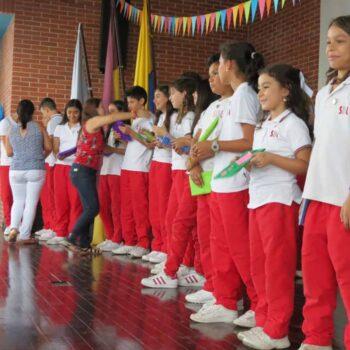 Colegio San Bonifacio celebró el  Día del Idioma