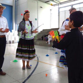 Fiesta cultural y clausura de Kinder 6