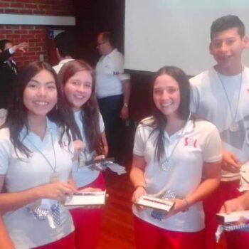Campeones de las Olimpiadas Matemáticas del colegio Santa Teresa