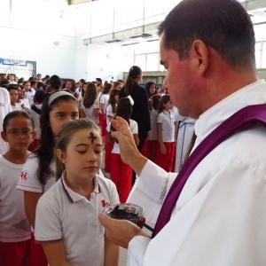 Comunidad educativa del San Bonifacio celebró Miércoles de Ceniza